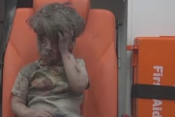 Images of injured Syrian boy draws attention