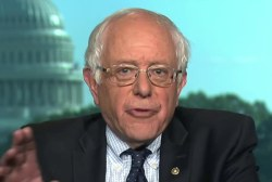 Sanders Defends Clinton on Trade