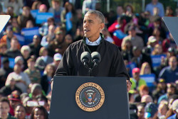 Obama: Trump is 'acting like a populist'
