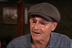 James Taylor makes pitch for Clinton
