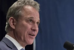 Report: Mueller teaming up with N.Y. Atty....