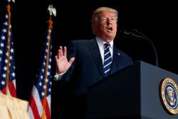 Trump addresses lawmakers at National Prayer Breakfast
