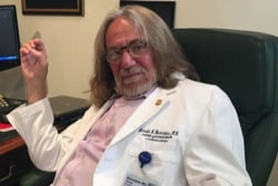 Fmr Obama Doctor: Bornstein's actions are 'fraudulent'