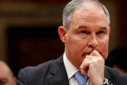 Watch mom confront EPA's Pruitt at eatery, telling him to resign
