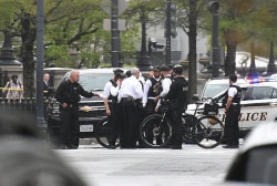 Man tries to set himself on fire near White House
