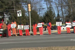 Torture protests in front of Cheney's home