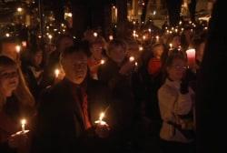 Candlelight memorial held for Kayla Mueller