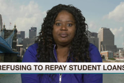 Students refuse to pay back loans in protest