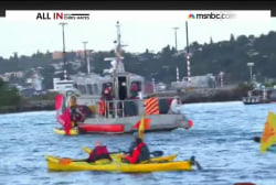 'Kayaktivists' confront rig leaving Seattle