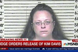 Judge orders Kim Davis to be released from...
