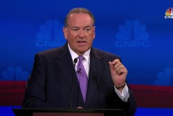 Huckabee: Gov't is like a runaway blimp