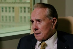 Sen. Bob Dole: 'I'm with Jeb Bush'