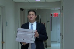 Mark Halperin delivers pizza to Morning Joe