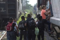 US deports Central American immigrants