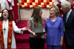 Bill Clinton stumps for Hillary in Iowa