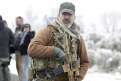 FBI: Still illegal occupants at Oregon refuge