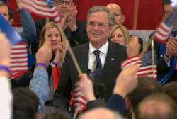 Bush speaks to supporters in NH