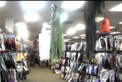 Pop-up Halloween stores offer seasonal jobs