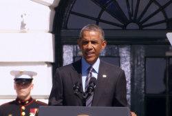 Obama times strikes to world gathering at UN