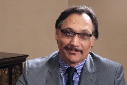 Jimmy Smits honored with leadership award