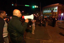 Cummings tells protesters to go home at...