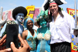 Bill de Blasio goes 'under the sea'