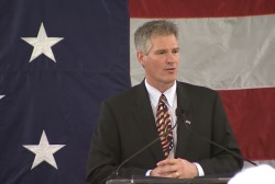 Scott Brown announces New Hampshire bid
