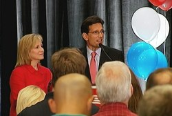 Inside Cantor's collapse
