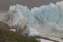 Parts of Patagonian glacier collapse