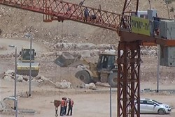 Pressure increases over Israeli settlements