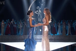 Miss Universe host Harvey crowns wrong winner