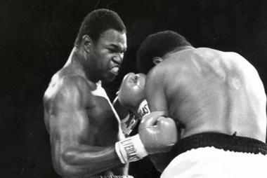 Larry Holmes: 'We lost history and greatness'