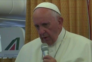 Pope: Gays deserve apology from the church