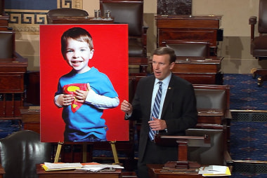 Murphy ends filibuster with Sandy Hook story