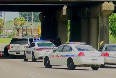 Baton Rouge mayor: Three officers killed