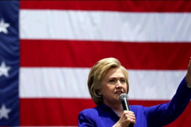 Clinton's momentum builds after DNC