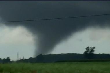 Tornadoes rip through Indiana, Ohio