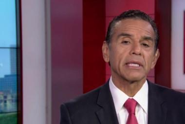 Fmr. LA mayor on Clinton polling, Trump trip