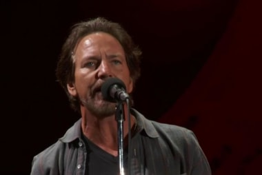 Chris Martin, Eddie Vedder: 'Nothingman'
