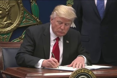 Rep. Waters: Trump 'leading himself to...