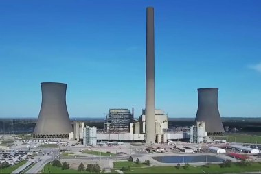 Inside a 'Super Polluter' power plant