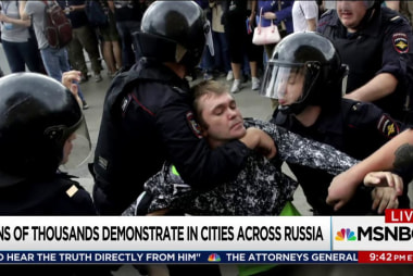 Widespread anti-corruption protests in Russia