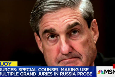 Report: Mueller utilizing multiple grand...