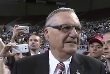 Donald Trump pardons Sheriff Joe Arpaio