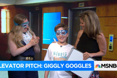 Giggly Goggles:  pitch perfect for the pool