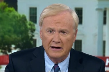 Matthews: Mueller is closing in on Trump
