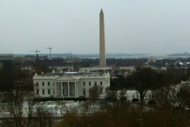 One inch of snow sends Washington into a flurry