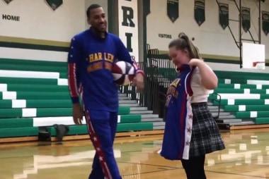 #GoodNewsRuhles: Harlem Globetrotters surprise High School senior