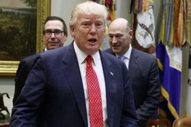 Matthews: Trump White House looks like a sinking ship