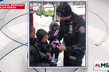 #GoodNewsRuhles: Officers deliver winter gear to children